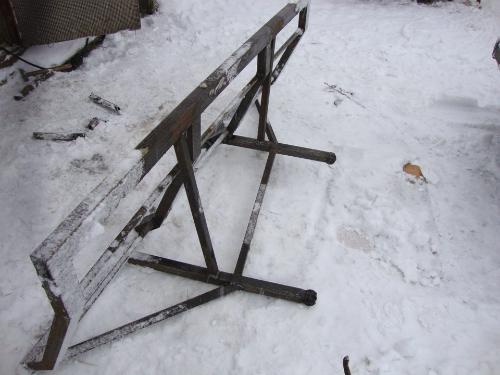 Лопаты для уборки снега в автомобиль