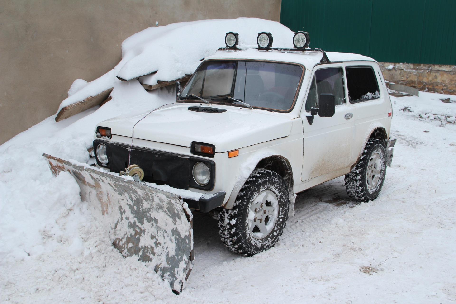 Лопата самодельная для чистки снега на НИВУ