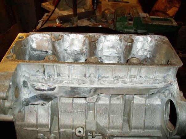 Короб после приваривания к блоку